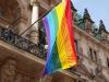 Die Regenbogenflagge am Hamburger Rathaus (c) Hamburg Pride