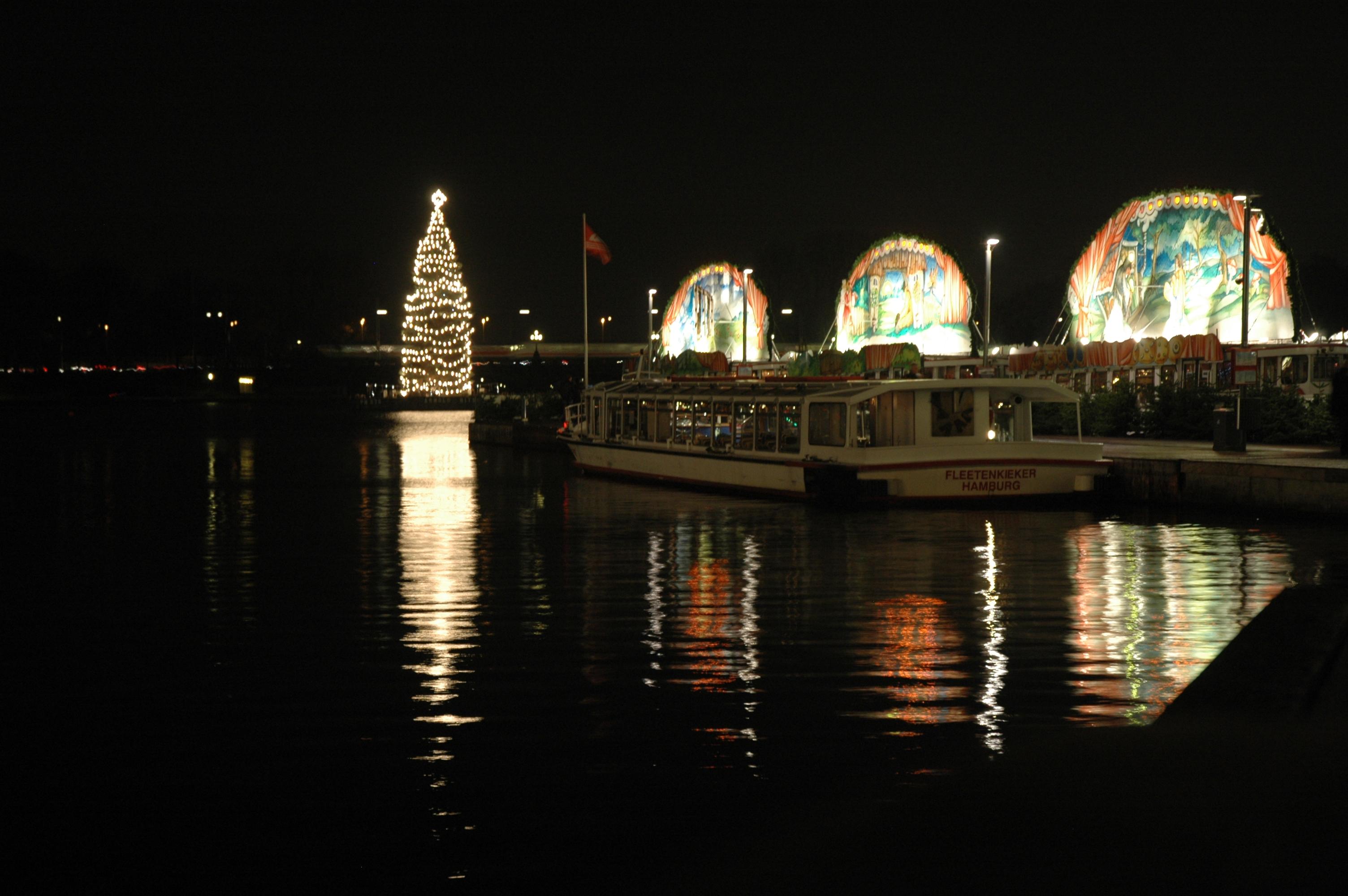 Hamburger Märchenschiffe auf der Binnenalster