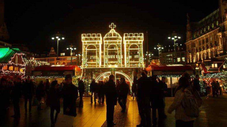 Hamburger Weihnachtsmarkt.Hamburg Schönster Weihnachtsmarkt Auf Dem Rathausmarkt