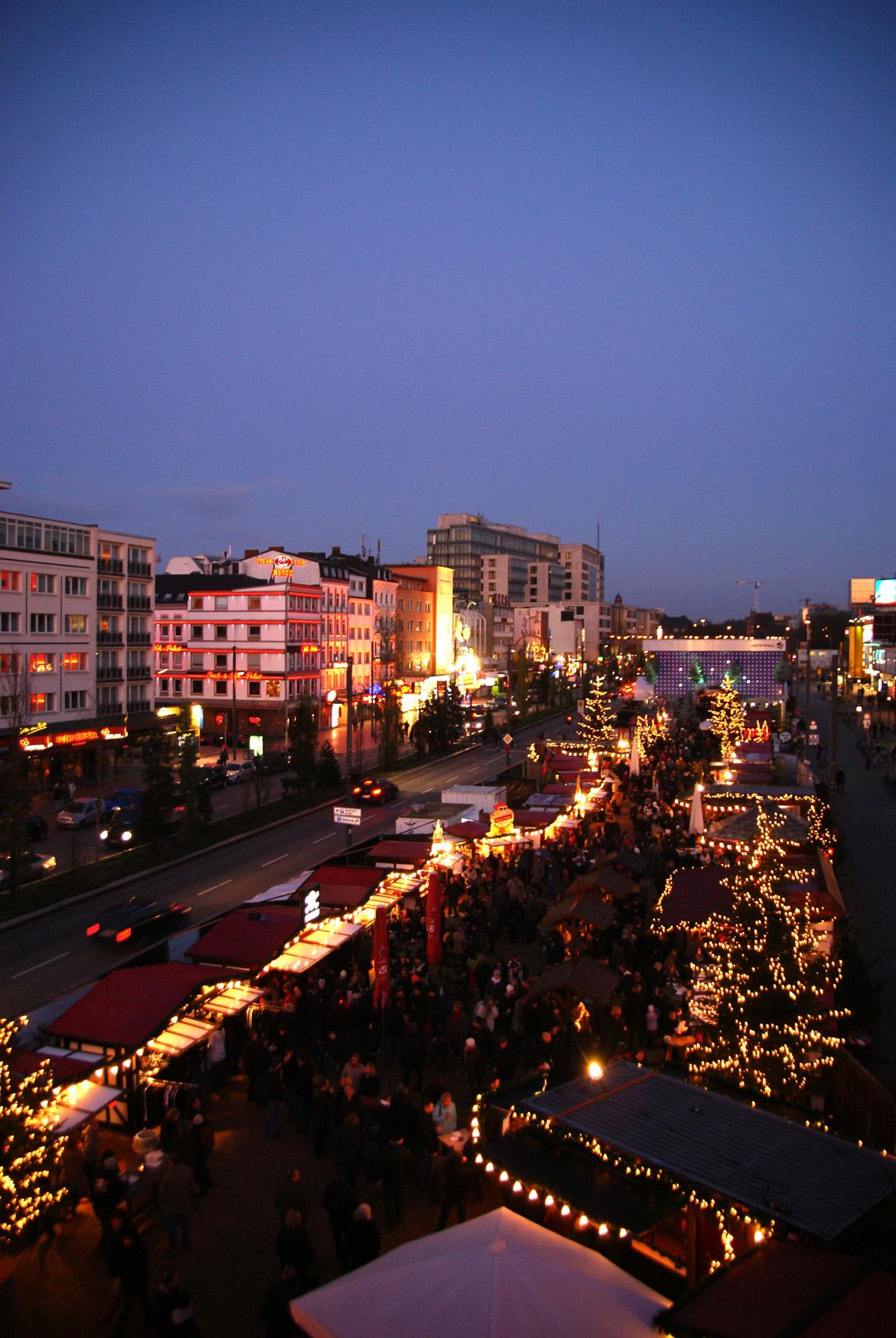Santa Pauli Weihnachtsmarkt Panoramanblick
