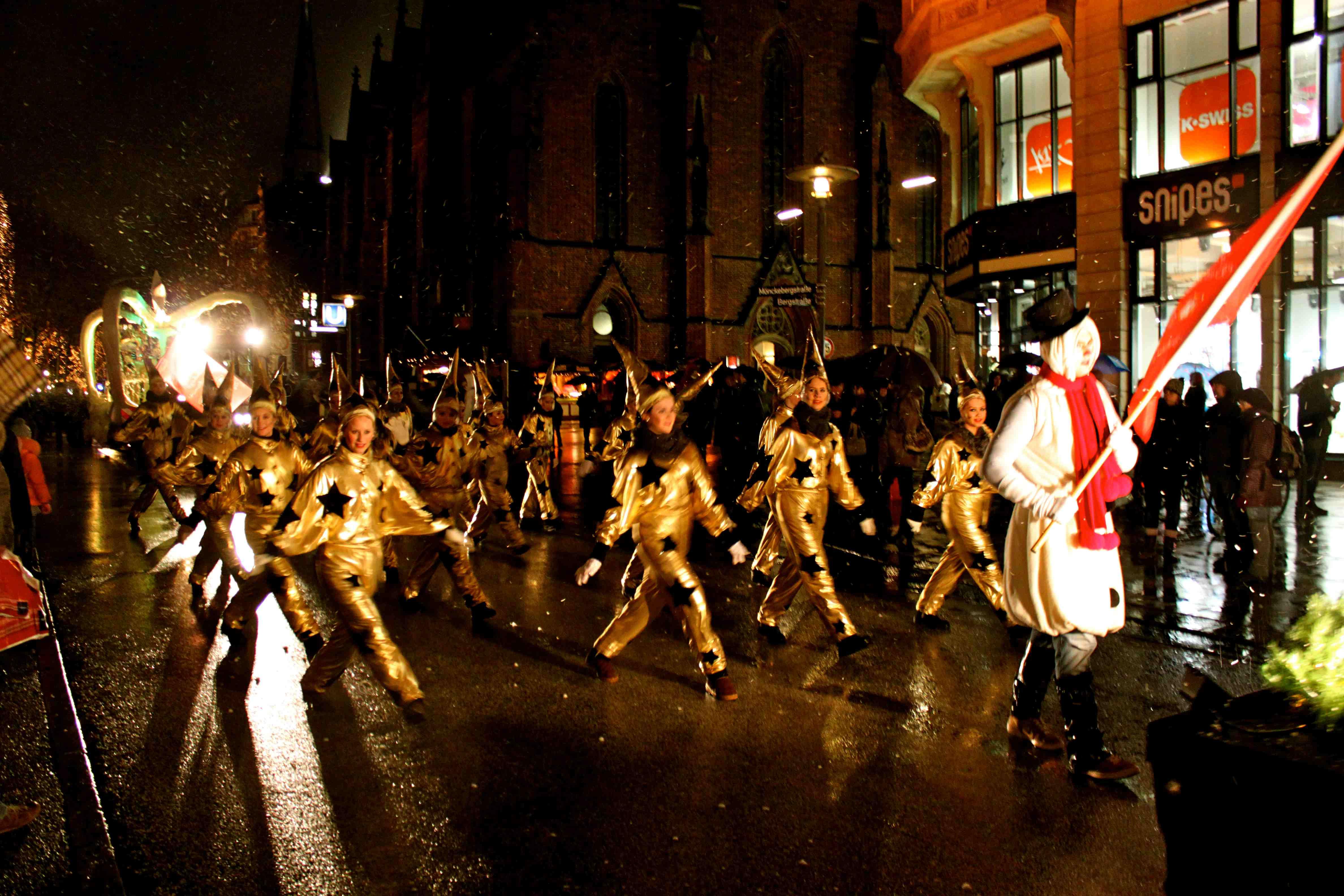 Hamburger Weihnachtsparade 2011 auf der Mönckebergstraße
