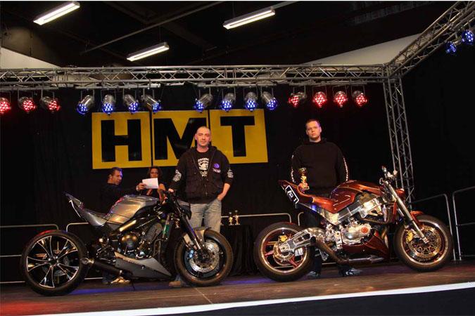 Hamburger Motorradtage 2012, 2 Motorräder auf der Bühne