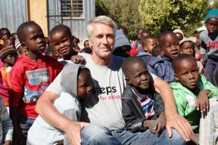 Kinder mit Dr. Michael Hoppe