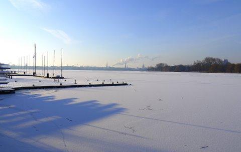Außenalster Hamburg mit Eis 2012