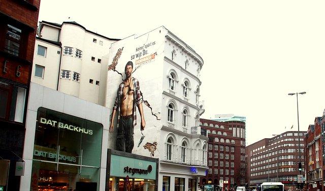 Hamburg Jungfernstieg Hornbach Fassade2012 (c) obs Jack Germany