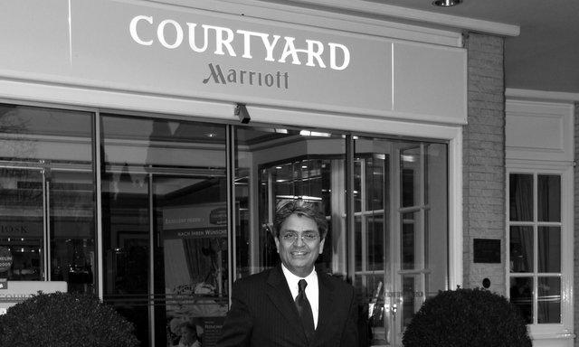 Ravindra K. Ahuja, General Manager Courtyard by Marriott Hamburg Airport Hotel ©Hotel