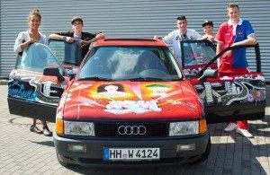 Hamburger Weg Projekt Praktisch gut Übergabe des Audi A80 mit Marcell Jansen 22.8.2012 (c) Hersteller
