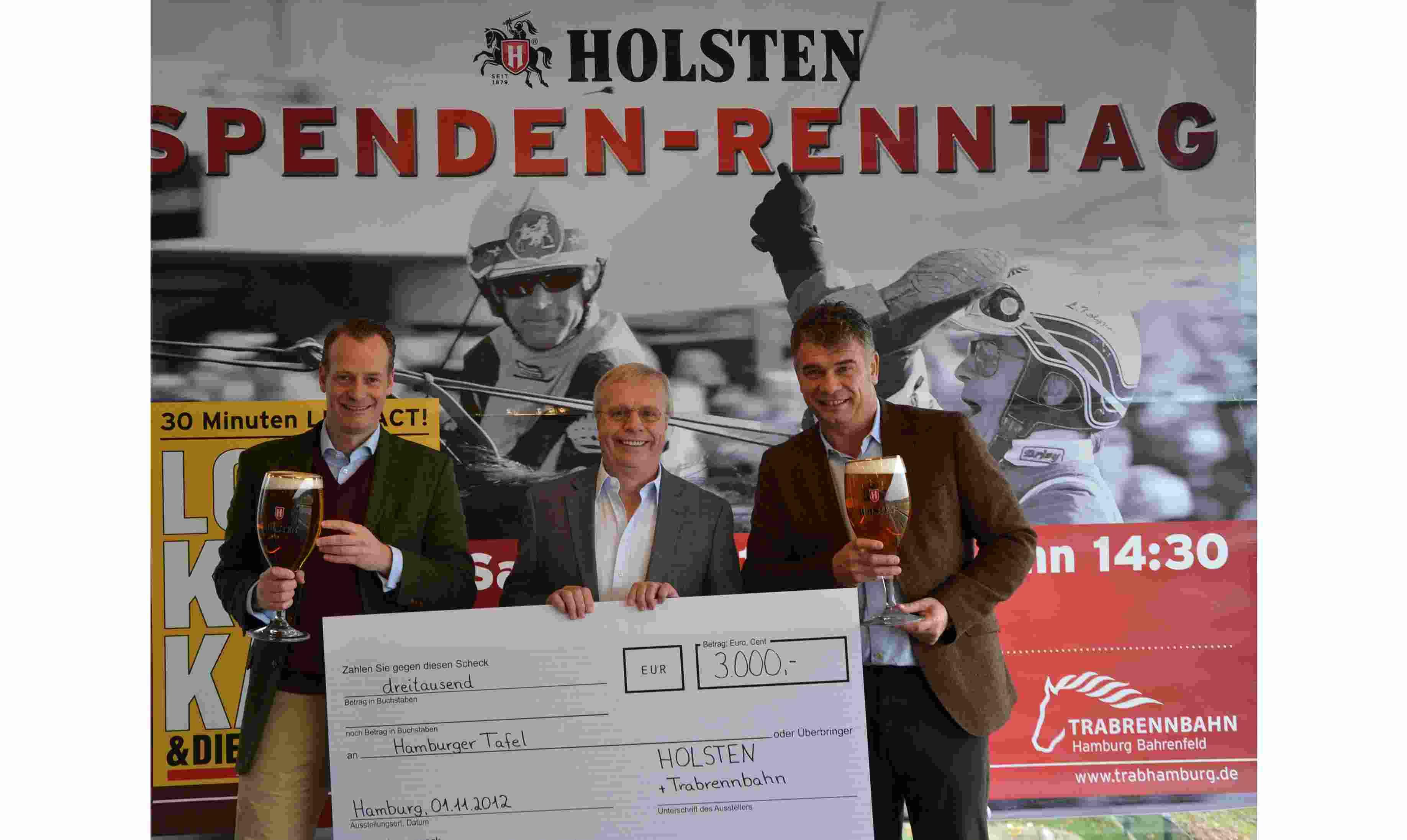 von links nach rechts: Dr. Jan Kleeberg, Trabrennbahn Hamburg - Achim Müller, Erster Vorsitzender Hamburger Tafel - Dr. Holger Liekefett, Marketingleiter Holsten