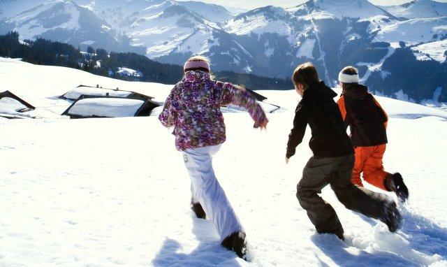 Spass in Schnee der Kitzbüheler Alpen
