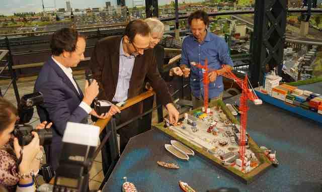 Grundsteinlegung der Elbphilharmonie im Miniatur Wunderland Foto: Tamke