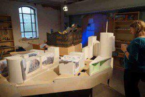 Die Elbphilharmonie entsteht im Modell  Foto: Tamcke