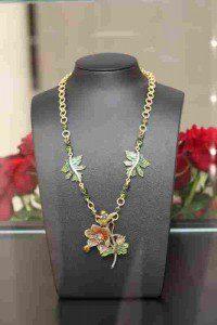 Collier Blütentraum von Stefanie Volkmer-Otto  Foto: Hersteller