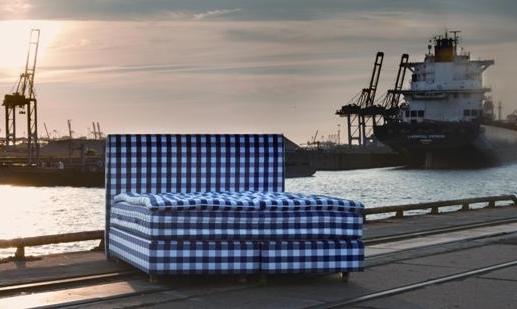Ein Bett ist auf Achse - Verneissage von Hennig Heide Foto: Henning Heide /Hästens