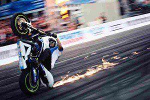 Spektakuläre Motorradstunts mit Ricardo Domingos  Foto: HMT