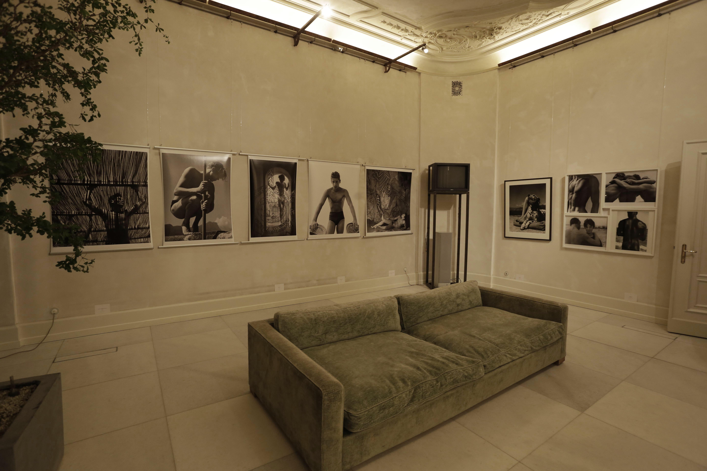 """Glamouröse Photo-Soiree mit den Fotografien von Herbert List in der """"Weiߟen Villa"""" in Hamburg Winterhude (C) Veranstalter"""