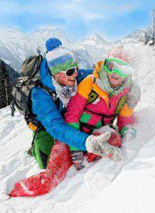 Familien Winterspass im Schnee Foto: Tourismusverband Salzburger Saalachtal