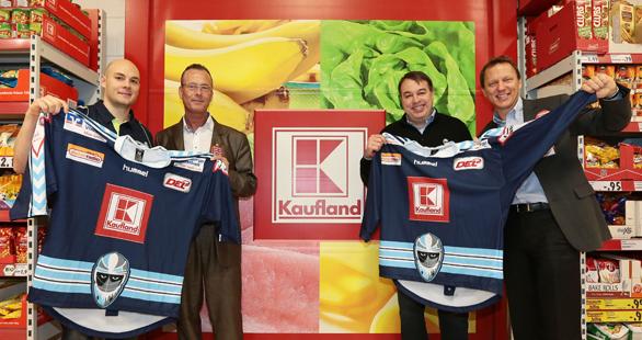 Die Freezers mit dem neuen Sponsor of the Day © 2013 Fishing4