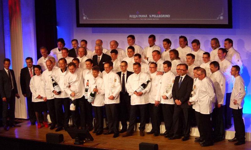 100 Sterne strahlen auf der Bühne, die S. Pellegrino Kulinarische Auslese im Curio Haus Foto: ganz-hamburg.de