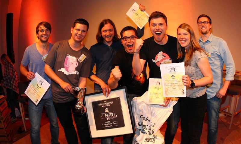 Das Siegerteam mit Ratsherrn Braumeister Ian Pyle Foto: Brauerei