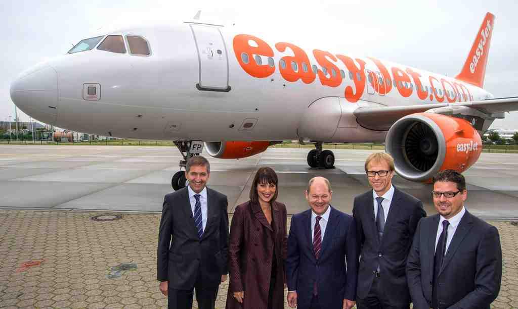 easyJet Standorteröffnung Hamburg easyJet mit Olaf Scholz Foto: Airline
