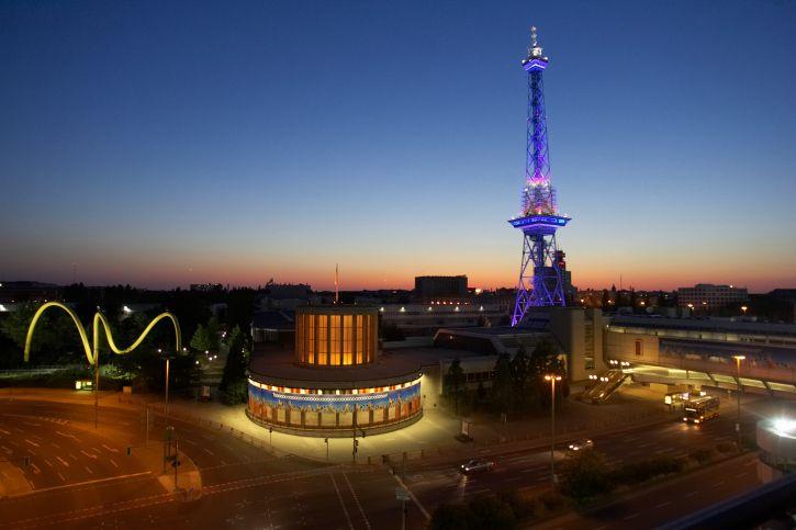 Berlin bei Nacht © Alexander Hassenstein/Photodisc/Thinkstock