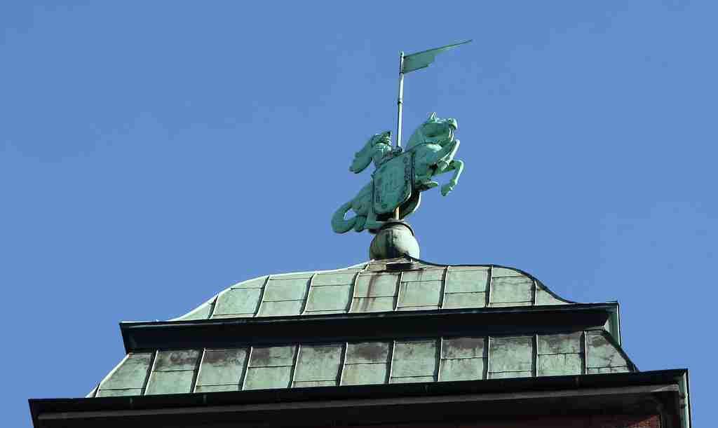 Das Symbol der Holsten Brauerei - der Holsten Ritter © ganz-hamburg.de