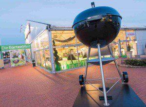 Die Riesen Weber Grill bei dodenhof in Kaltenkirchen Foto: dodenhof