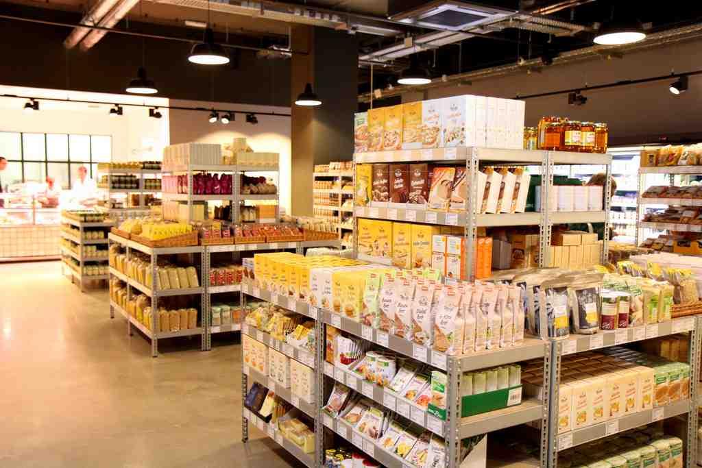 Schlichte aber produktorienierte Warenpräsentation bei TEMMA Blankenese © REWE