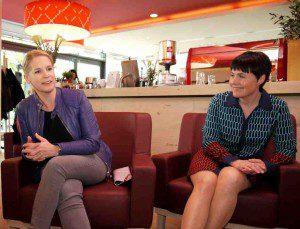 Sabine Kloos (Vapiano) spricht mit Cornelia Poletto Foto: ganz-hamburg.de