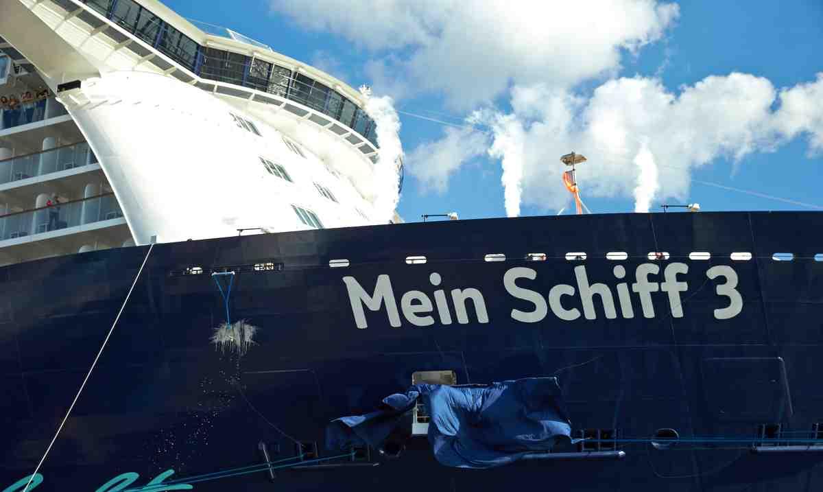 Schifftaufe Mein Schiff 3 Foto: Reederei