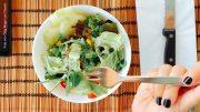 Frau ist Salat