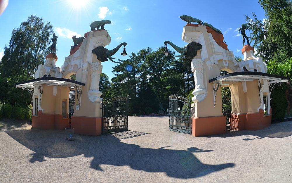 Das alte Jugendstil-Portal im Tierpark Hagenbeck
