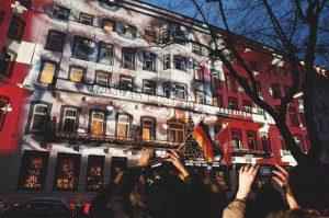 Die Lichtinstallation von Gerry Hofstetter Foto: SWISS