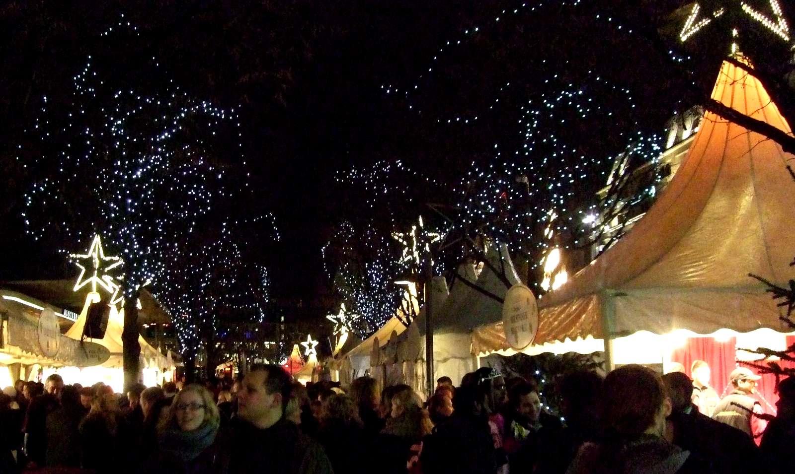 Weisser Zauber Weihnachtsmarkt
