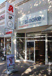 In Hamburg können Interessierte bei Mr.Smoke Probe-Dampfen © MrSmoke