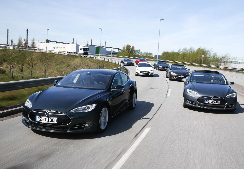 photo (c) tesla motors