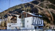 Aussenansicht im Winter VALLUGA Hotel