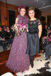 Model in Ella Deck Couture und Designerin Ella Deck(c) Andreas Bonné