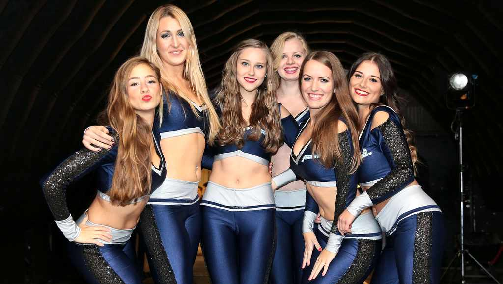 Hamburg Freezers Ice Girls