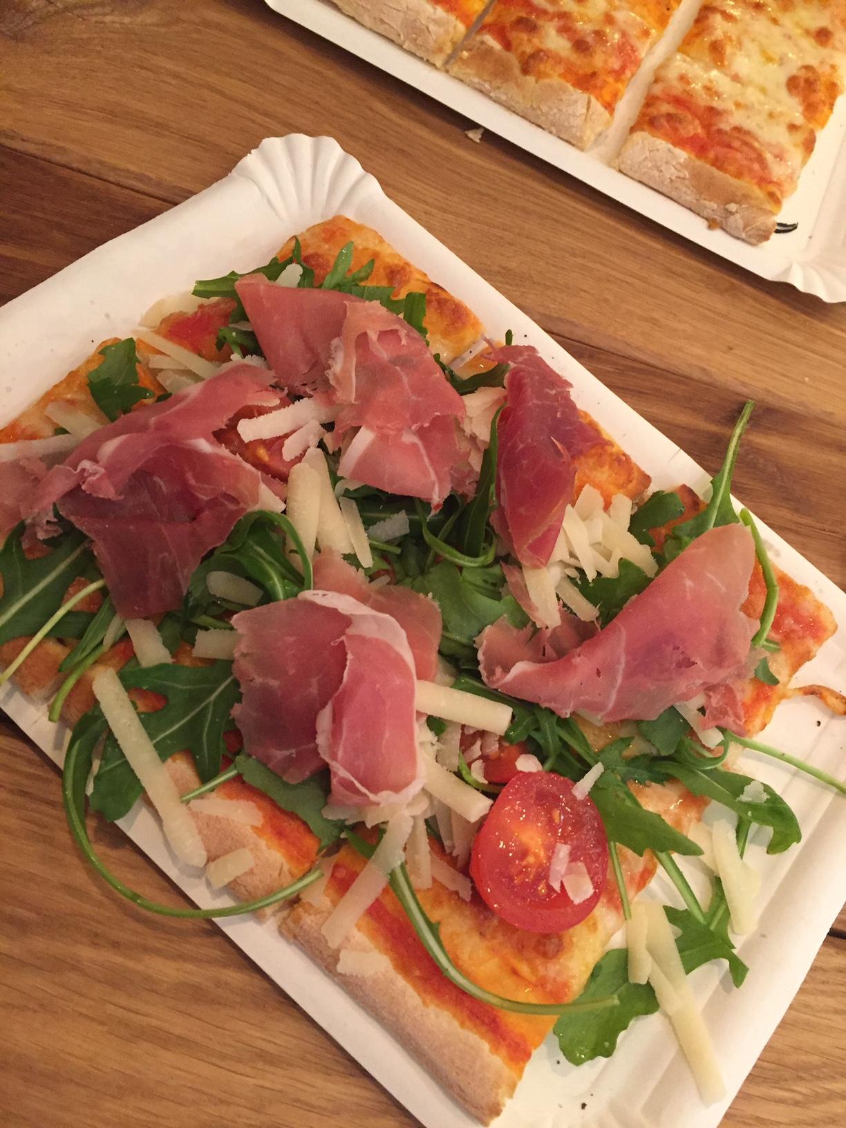 PeterParm- frische leckere Pizza für 3,50 €