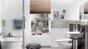 Wohlfühlatmospäre im Bad mit Fliesen in Holzoptik