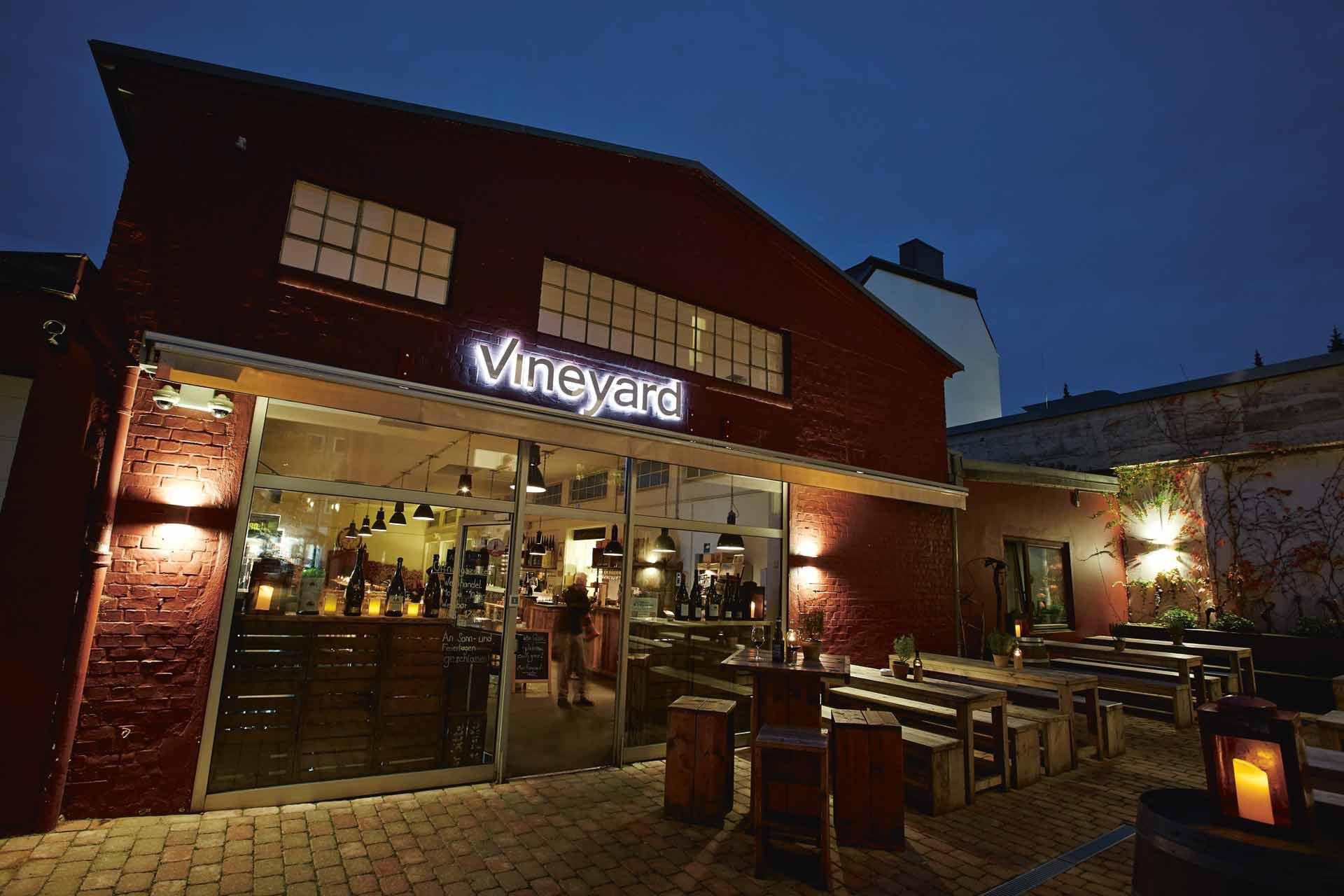 Hamburg_Vineyard_Aussen_a - Ganz-Hamburg