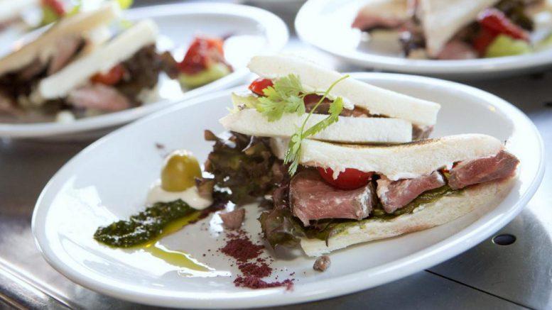 Lammfleisch: Sandwiches vom Lammrücken