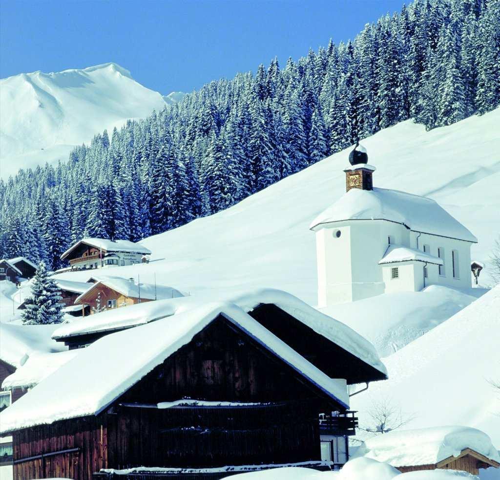 Bergkirche im Kleinwalsertal