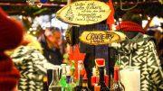 Glühweinstand auf dem Weihnachtsmarkt