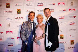 Stephan-Hauschild-mit-Mutter-Kathrin-und-Guido-Dührkop (c) Andreas Bonné