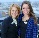 anja Rühmann, PR-Managerin vom Radisson Blu Hotel, Hamburg_Sarah Berg_Energy Hamburg Moderatorin(v.l.n.r.)_Saisoneröffnung Weinbar26 im Radisson Blu Hotel Hamburg