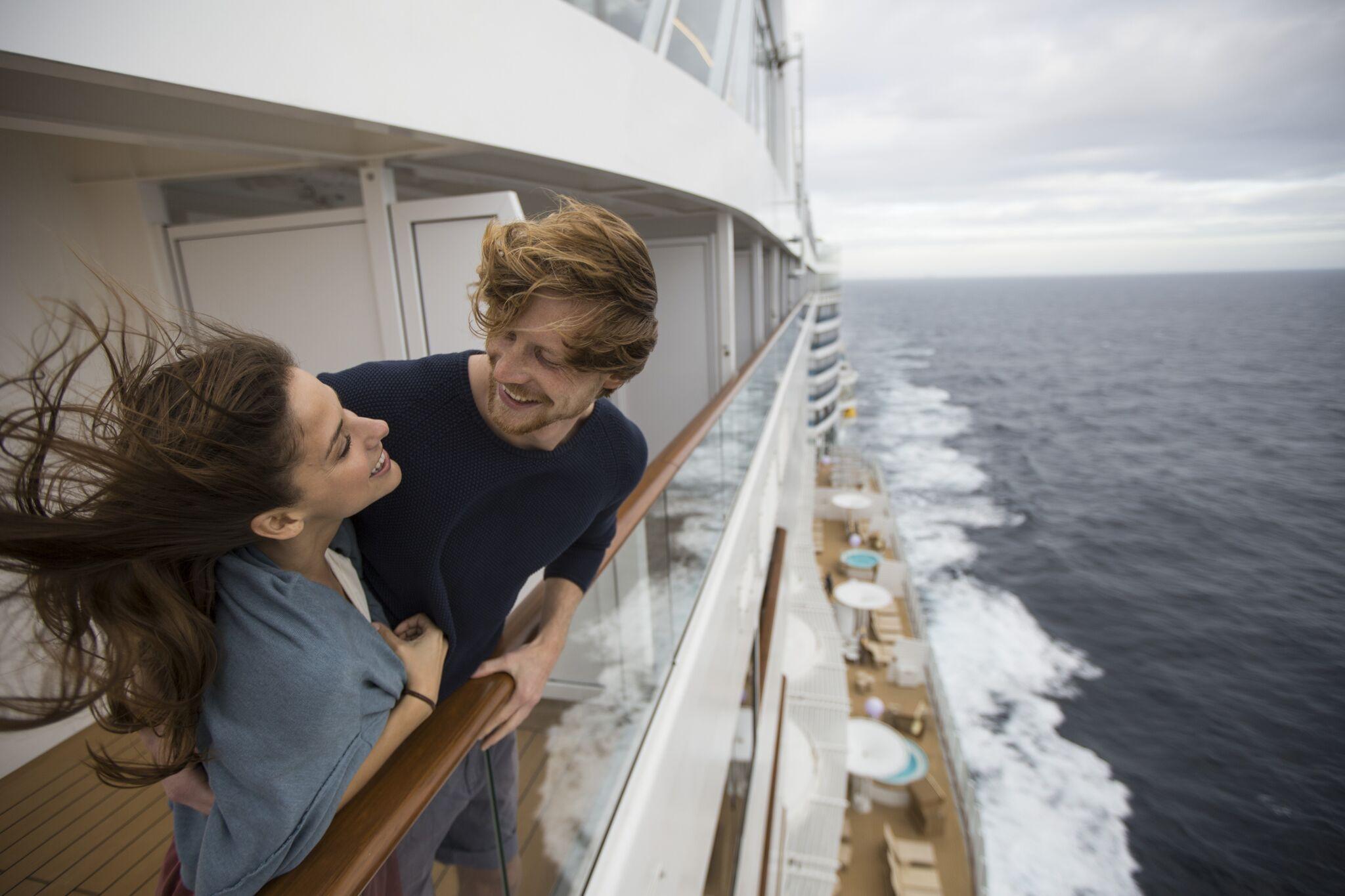 An Bord der AIDAperla ein Paar