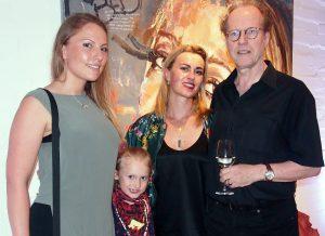 Ausstellung Savage von Kris Kossi