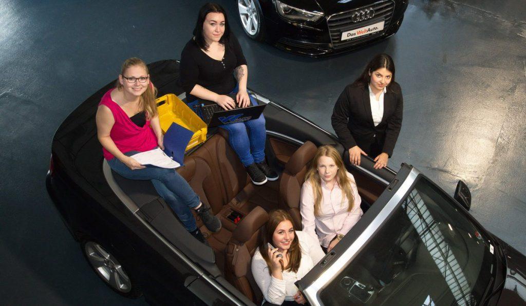 vier weibliche Azubis bei Auto Wichert